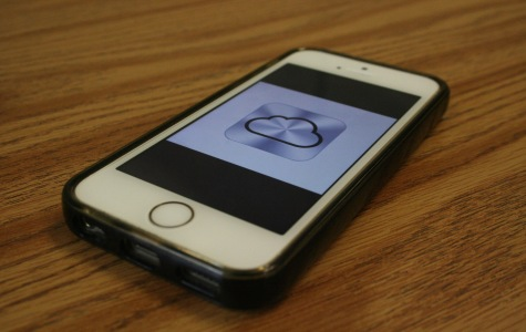 Celebrity nude photos leaked through iCloud