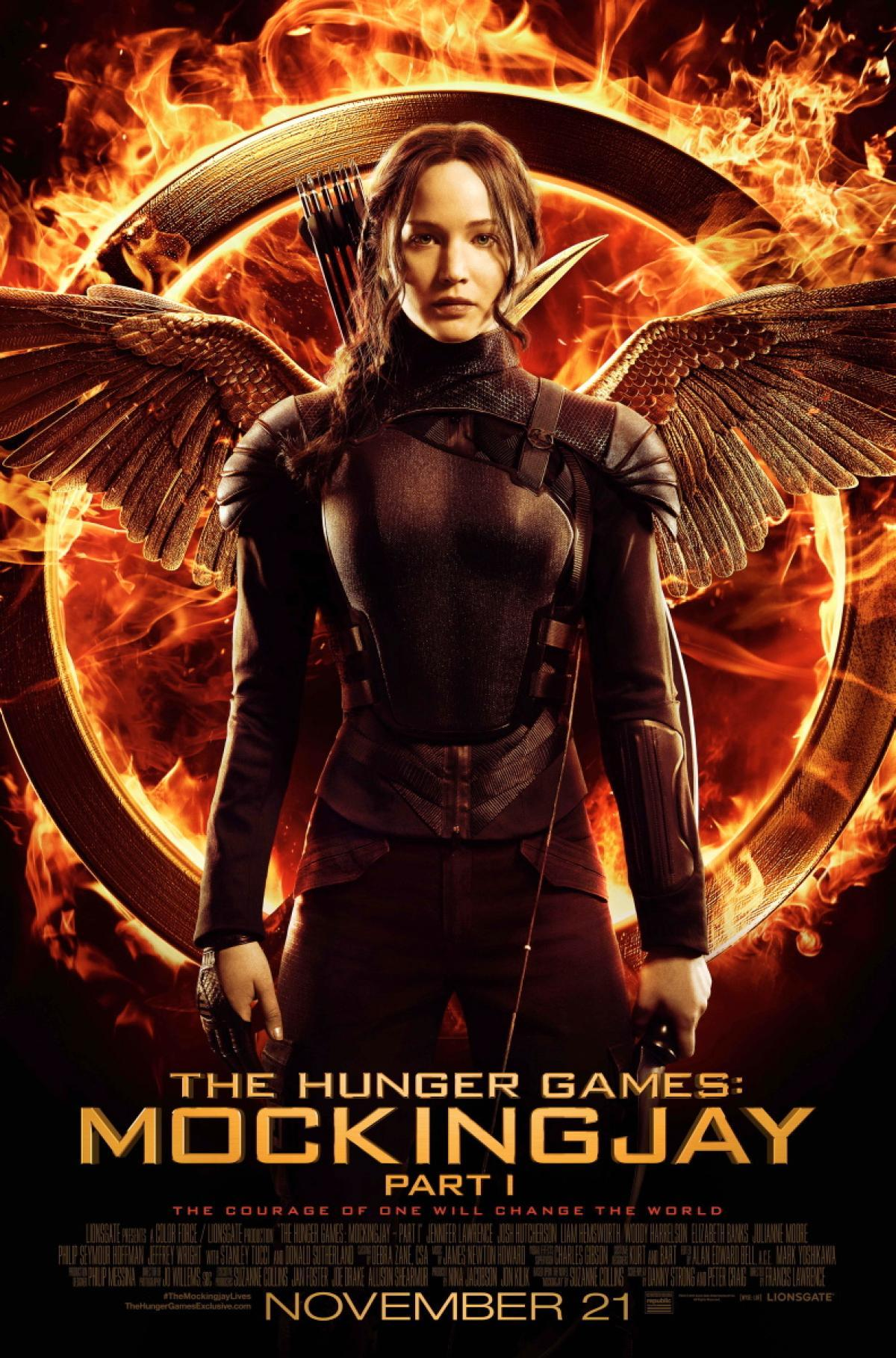 Jennifer Lawrence plays Katniss in