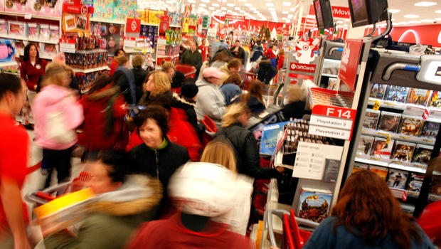 Holiday+shopping+this+year+is+projected+to+be+busier+this+year%2C+but+also+displays+trends+growing+through+the+years.+%28Photo+courtesy%3A+CBS+news%29
