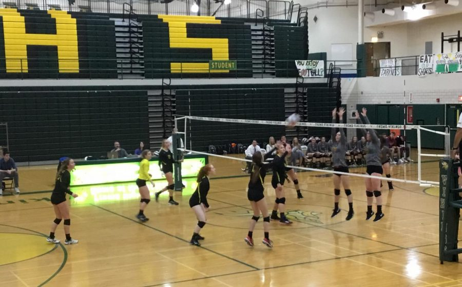 Girls+volleyball+slams+Schaumburg+in+two-set+victory